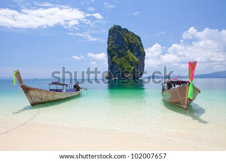 boats in Phi Phi Leh south of Thailand