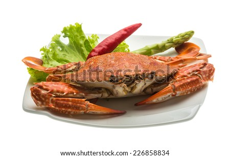 Boiled crab with pepper and salad