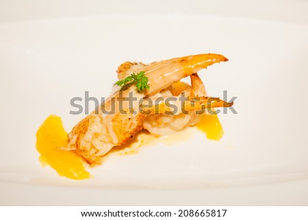 boiled lobster with grapefruit sauce