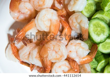 Boiled shrimp with vegetables