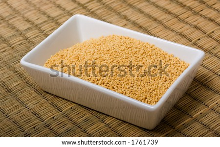 Bowl with soybean extract