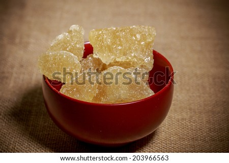 Bowlof brown rock sugar