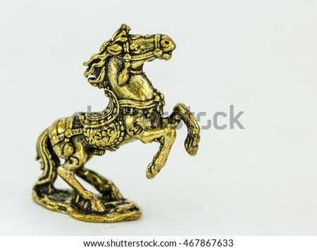 brass statue of horse