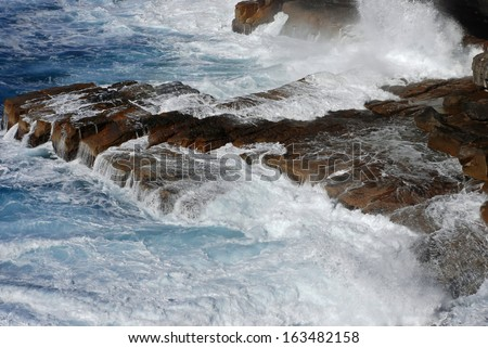 Breaking of Waves at Watson's Bay Cliff in Sydney