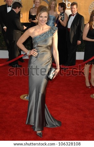 Brenda Strong at the 15th Annual Screen Actors Guild Awards. Shrine Auditorium, Los Angeles, CA. 01-25-09
