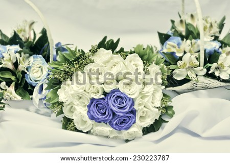 Bride and bridesmaids vintage-colored wedding bouquets
