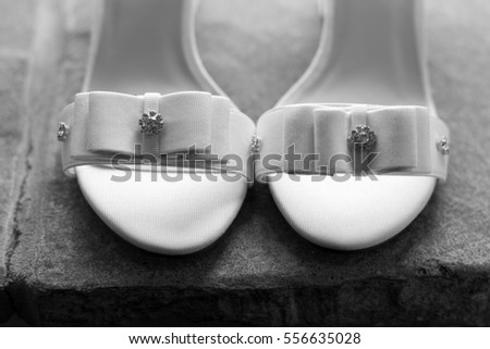 Bride's wedding shoes detail