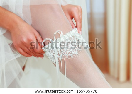 Bride shows us what's under her dress