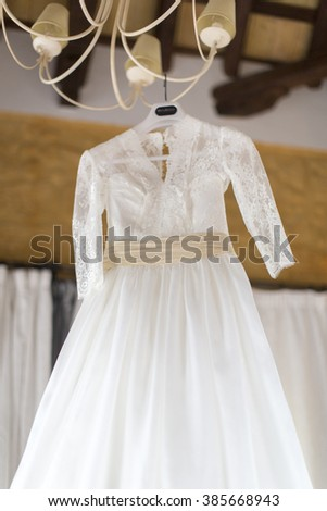 bride white dress