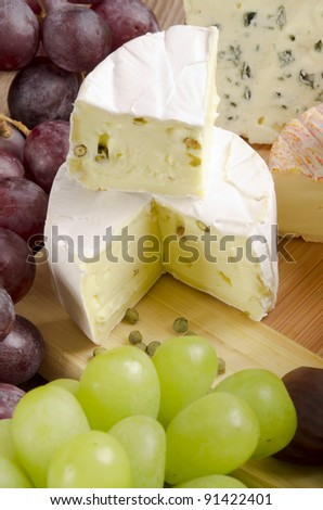 Brie with green pepper