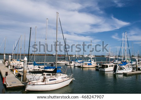 BRISBANE, AUSTRALIA - NOVEMBER 01, 2009 : Sailing boats and yachts in Manly, Brisbane Australia