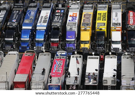 Bristol, TN - Apr 17, 2015:  The NASCAR Sprint Cup Series teams take to the track for the Food City 500 at Bristol Motor Speedway in Bristol, TN.