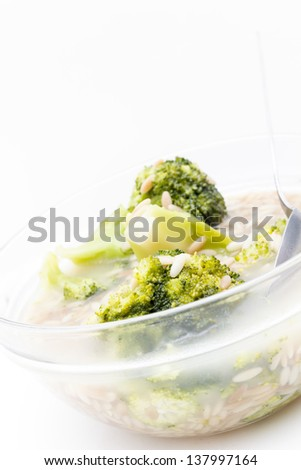 broccoli soup in glass bowl