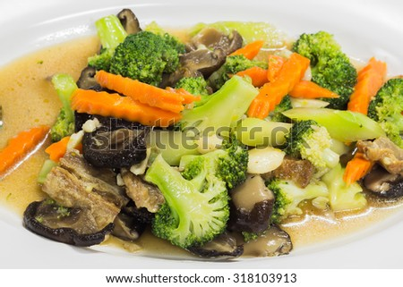 Broccoli stir fried with pork