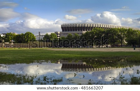 BRONX, NEW YORK - JANUARY 3:  Old Yankee Stadium as seen from former Macombs Dam Park.  Taken January 3, 2000 in  New York.