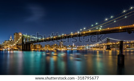 Brooklyn and Manhattan Bridges linking Lower Manhattan to Brooklyn