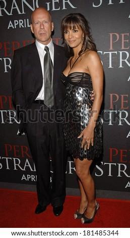 Bruce Willis, Halle Berry at New York Premiere of PERFECT STRANGER, Ziegfeld Theatre, New York, NY, April 10, 2007 - stock photo