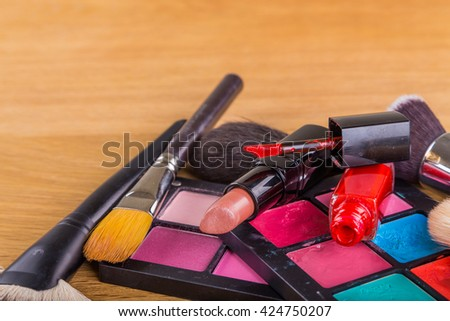 Brushes and shadow and other make-up accessories