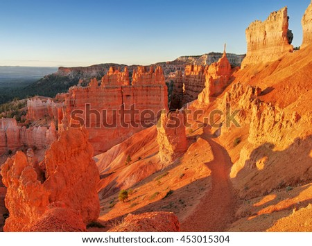 Bryce Canyon in the early morning sunlight