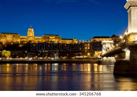Buda Castle and Chain Bridge in the evening, Budapest, Hungary, Europe, EU