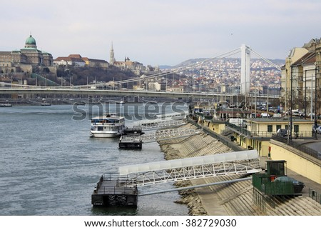 BUDAPEST - FEBRUARY 24, 2012: Elisabeth Bridge (Erzsebet hid) connecting Buda and Pest across the River Danube