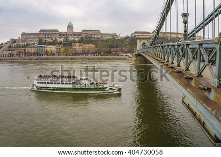 BUDAPEST, HUNGARY - MARCH 20 2016: The famous Chain Bridge in Budapest, Hungary.