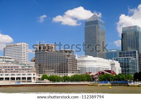 Buildings at Canary Wharf London, uk