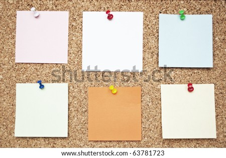 Bulletin board with reminder notes - Color pins with color note paper