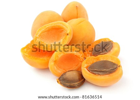 bunch of apricots