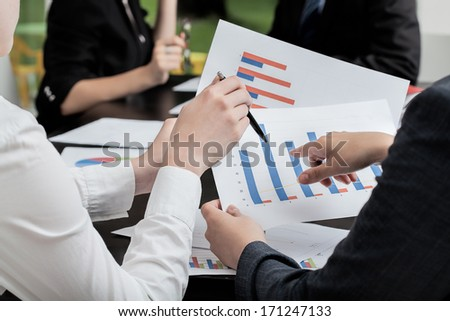 Business strategy making on the diagrams in office