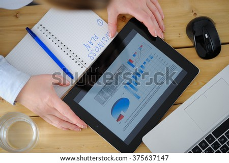 Business woman  brainstorming data target financial concept