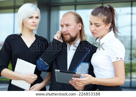 businessman and business women are discussing