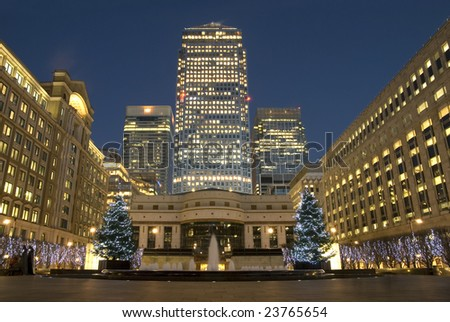 Cabot Square whits Christmas dekoracion, Christmas Lights and Chrismas trees