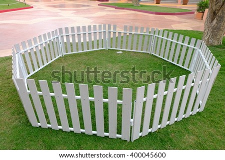Garden Fencing Stock Images Royalty Free Images Vectors