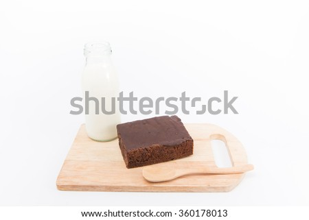 Cake chocolate brownies and milk