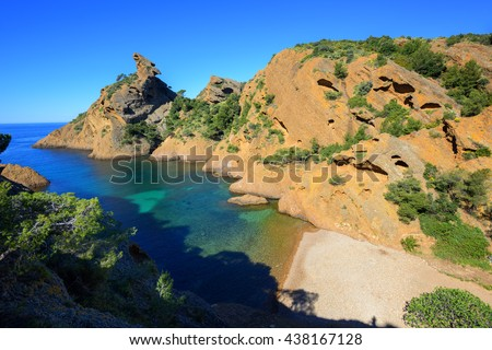 "Calanque de Figuerolles near Marseilles with distinctive rock ""The Lion"", blue water lagoon and beautiful beach, La Ciotat, Provence, France"