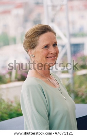 CANNES, FRANCE - MAY 9: Actress Liv Ullmann  arrives  Jury Photo Call at the 54th International Film Festival on May 9, 2001 in Cannes, France