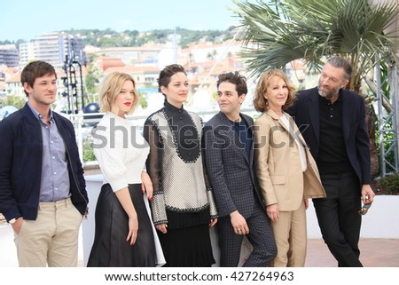 CANNES, FRANCE - MAY 19: Actress Marion Cotillard attends 'It's Only The End Of The World (Juste La Fin Du Monde)' during the Photocall - The 69th Cannes Film Festival on May 19, 2016 in Cannes.
