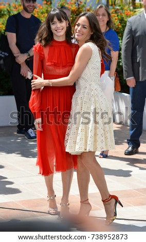 "CANNES, FRANCE. May 21, 2017: Stacy Martin & Berenice Bejo at the photocall for ""The Formidable"" (Le Redoutable) at the 70th Festival de Cannes"