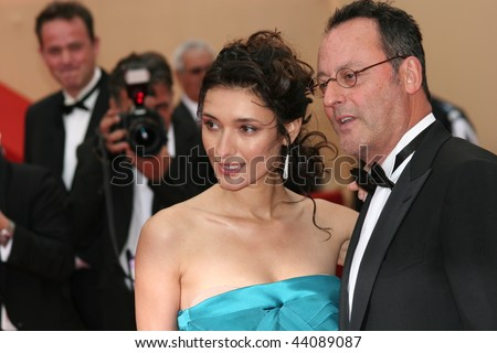 CANNES - MAY 25:Actor Jean Reno (R) and wife actress Zofia Borucka arrives at the Palme d'Or Closing Ceremony at the Palais des Festivals during the 61st  Cannes Film Festival on May 25, 2008 in Cannes - stock photo