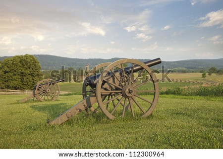 Cannons at Antietam (Sharpsburg) National Battlefield in Maryland, USA in late afternoon light