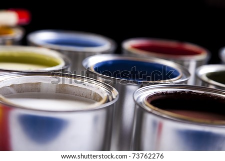 Cans, Background color