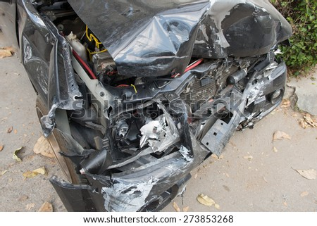 Car crash damage portrayals may be broken