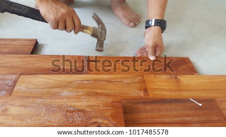 Carpenter is parquet flooring.