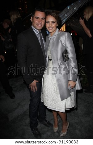 """Cash Warren, Jessica Alba at the """"Let It Sparkle"""" Rodeo Drive Lighting Ceremony, Rodeo Drive, Beverly Hills, CA 11-21-11 - stock photo"""