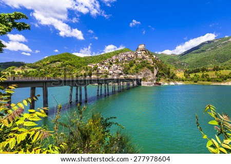 Castel di Tora - hilltopl village on beautiful Lake Turano, Ital - stock photo