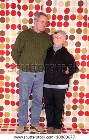 casual couple with grunge background