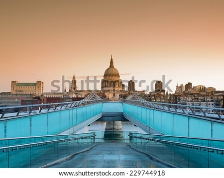 Cathedral St. Paiul - London, UK - stock photo