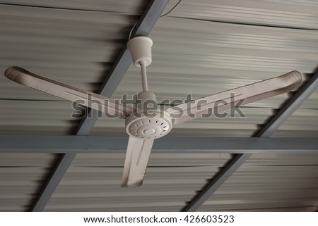 Ceiling fan and metal sheet roof