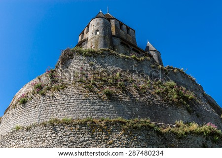 Cesar tower (1152 - 1181, built under reign of Henry Liberal) - landmark and emblem of Provins. Provins - commune in Seine-et-Marne department, Ile-de-France region, north-central France.  - stock photo